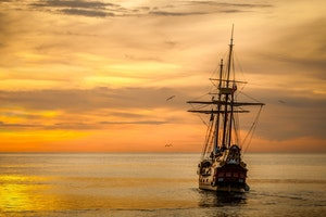 sunset-boat-sea-ship-37730 (1)